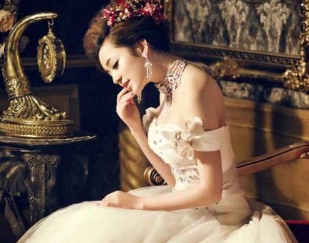 格调香烟|优雅格调 韩式婚纱唯美装扮新娘